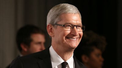 Apple CEO Tim Cook Just Earned an Easy $120M