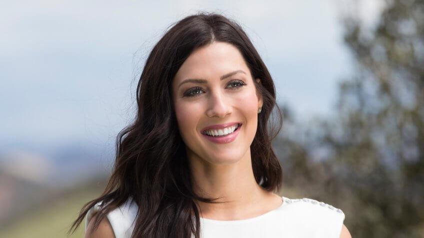 The Bachelorette Becca Kufrin on Episode 1402