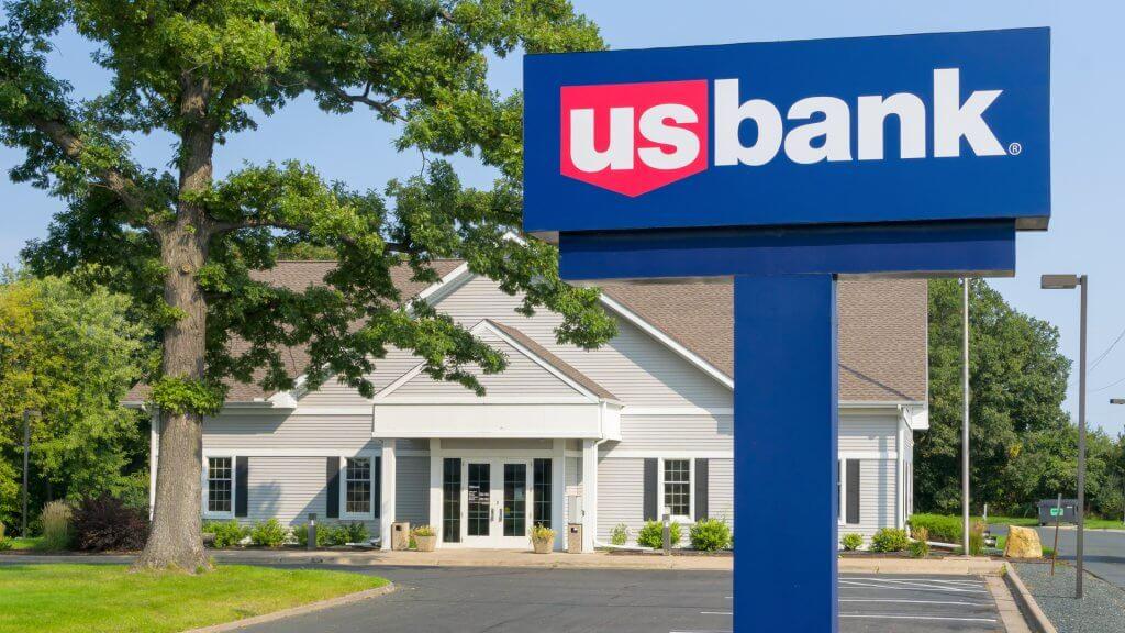 Academy Bank Springfield Mo >> Banks Open On Sunday Gobankingrates