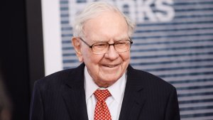 The Honorable Ways Warren Buffett and the World's Richest Men Use Their Money