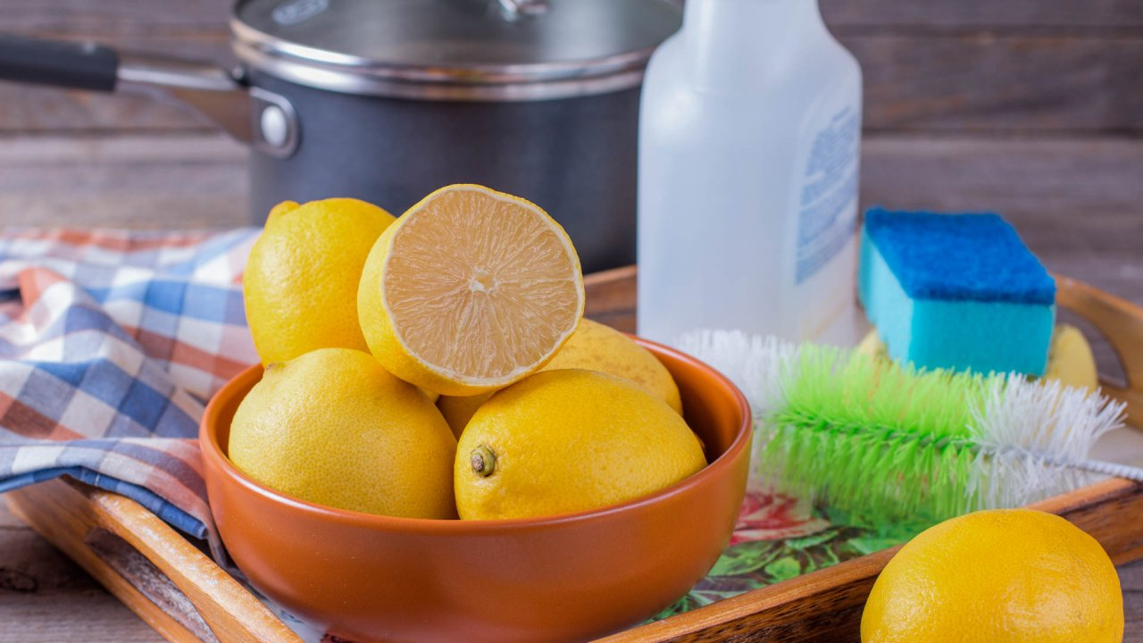Clean Your Home Using These Cheap and Safe DIY Cleaners