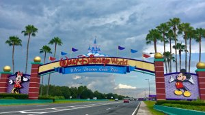How This Couple Went to Disney World for Less Than $200