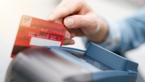 Discover it Secured Credit Card Review: Helps Build, Rebuild Credit