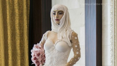 This Lifesize Bride Cake Costs Way More Than Most Weddings