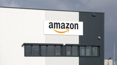 Watch Out, Apple — Amazon Could Be the Next $1 Trillion Company