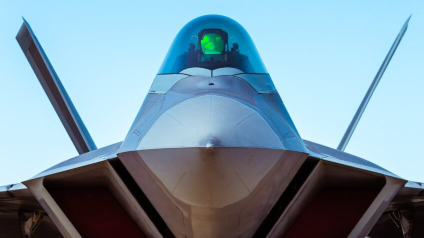 F-22 Raptor fighter bomber