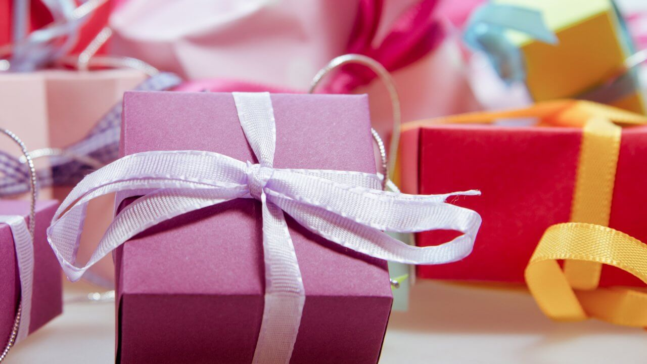 What Are Gift Tax Rates and When Do You Have to Pay?