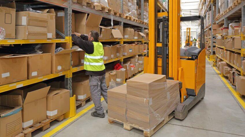 worker in fulfillment warehouse