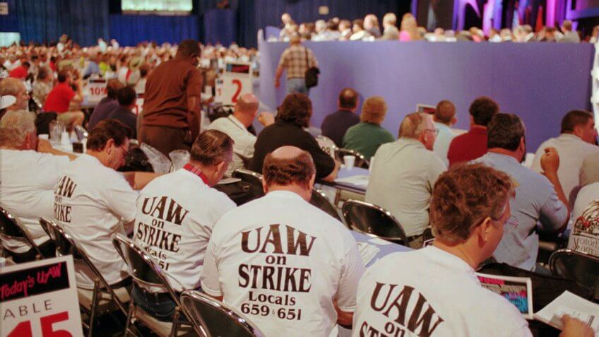 Mandatory Credit: Photo by LENNOX MCLENDON/AP/REX/Shutterstock (5951451b)UAW MEMBERS United Auto Workers members from UAW local 599 in Flint, Mich.