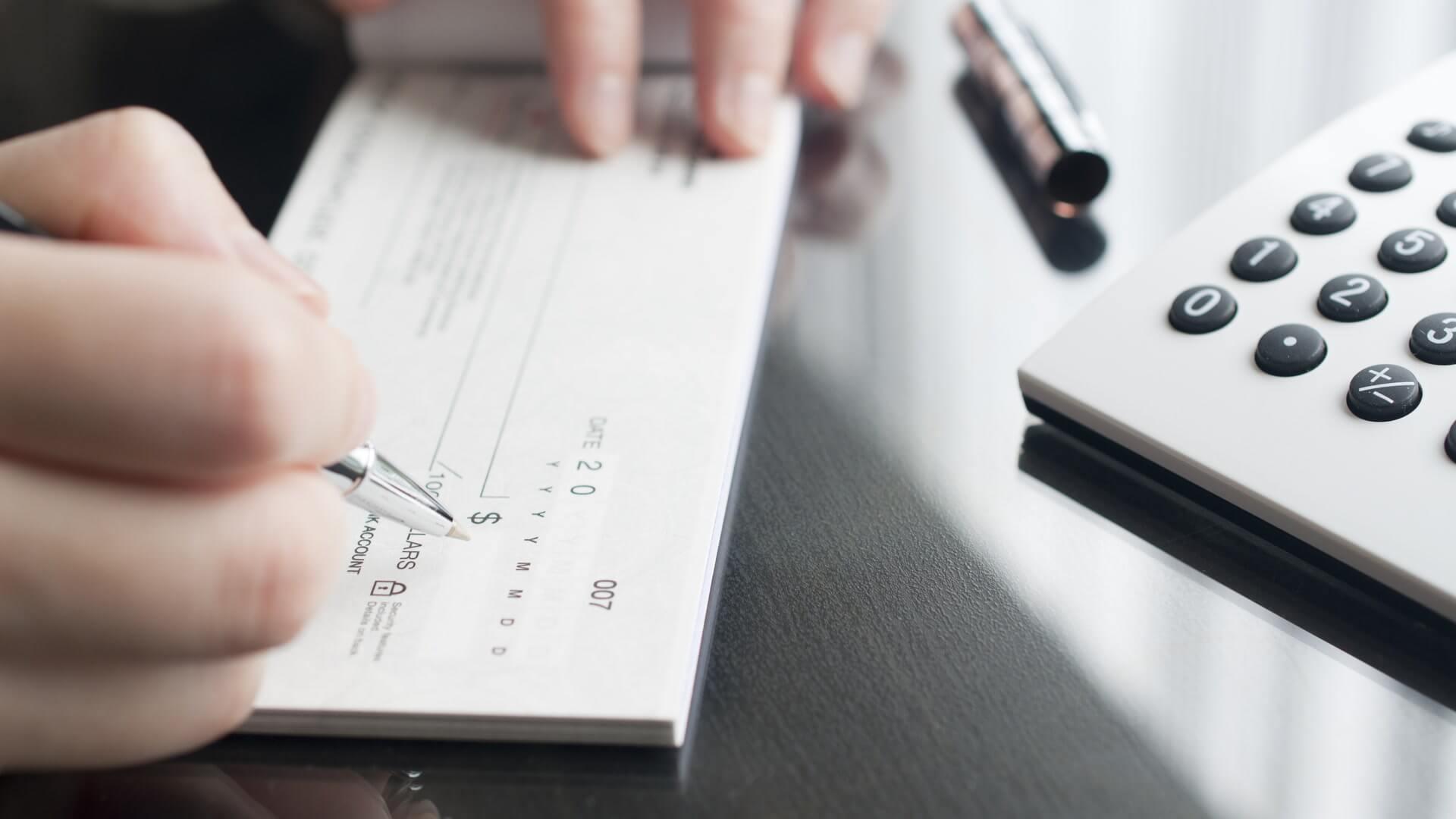 где можно взять деньги в долг с плохой кредитной историей на карту срочно