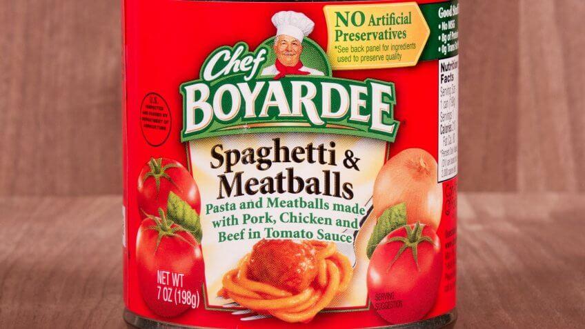 RIVER FALLS,WISCONSIN-FEBRUARY 09,2015: A can of Chef Boyardee Spaghetti and Meatballs.