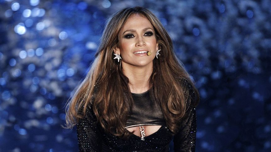 SANREMO, ITALY - FEBRUARY 19: Jennifer Lopez performs live during the 60th Sanremo Song Festival at the Ariston Theatre on February 19, 2010 in Sanremo, Italy.