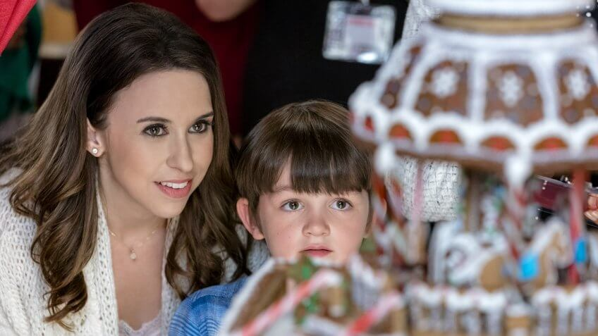 Finding Christmas Cast.Hallmark Christmas Movies Star Net Worths Lacey Chabert