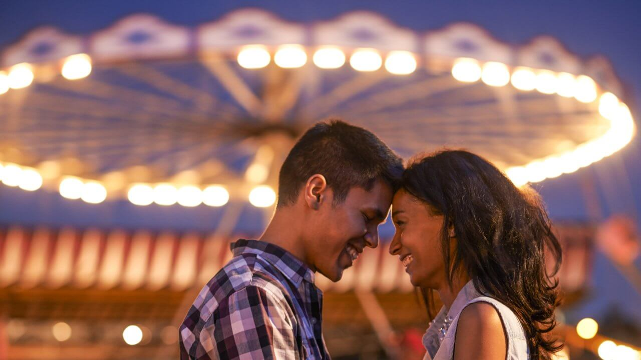 15 Romantic Fall Date Ideas Worth Every Penny