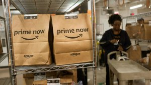 Amazon Adds New Wage Hike Worth About $400M, Backpedals on Bonus Cuts