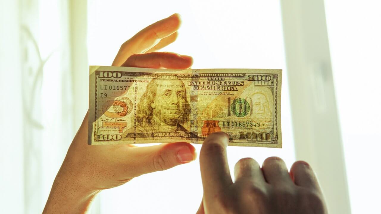 30 Strange Facts You Never Knew About Your Money