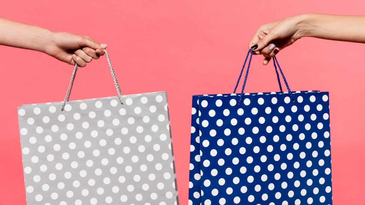 Who Gives You a Better Deal on Black Friday — Malls, Outlet Stores, Walmart or Amazon?