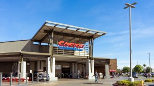 Know Costco's Holiday Return Policy Before You Shop