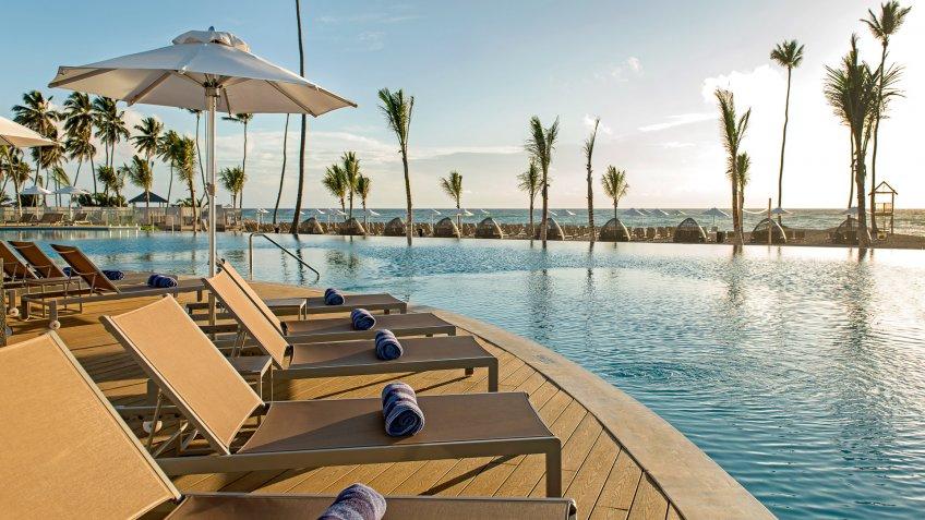 Nickelodeon Hotel Punta Cana infinity pool