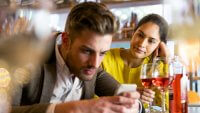 10 Awkward Money Scenarios to Avoid on a First Date