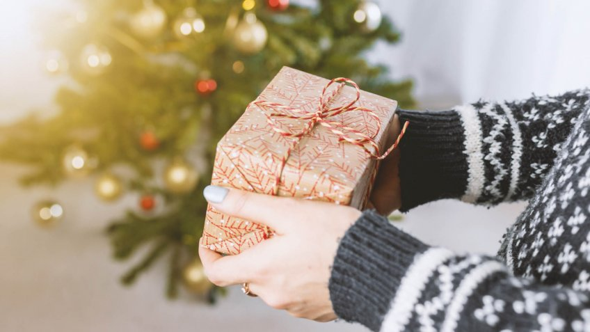 I Buy Second-Hand Christmas Gifts but My Kids Don't Mind