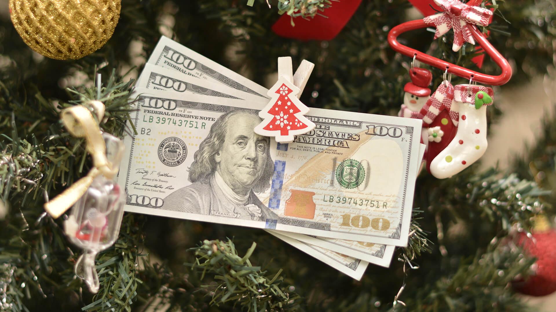 Banks Open on Christmas Day | GOBankingRates