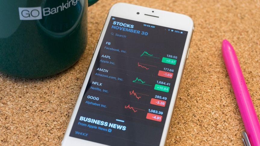 Facebook Apple Amazon Netflix Google stocks