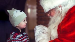 Guess How Much Mall Santas Earn — It's Definitely More Than You Think