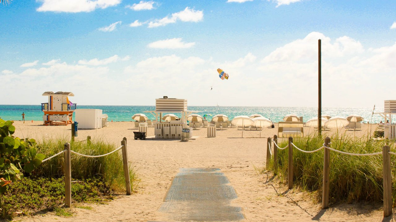Florida vs. Arizona for Retirement? Why the Sunshine State Got Our Vote