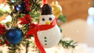 3 Best DIY Holiday Decorations that Will Save You Money