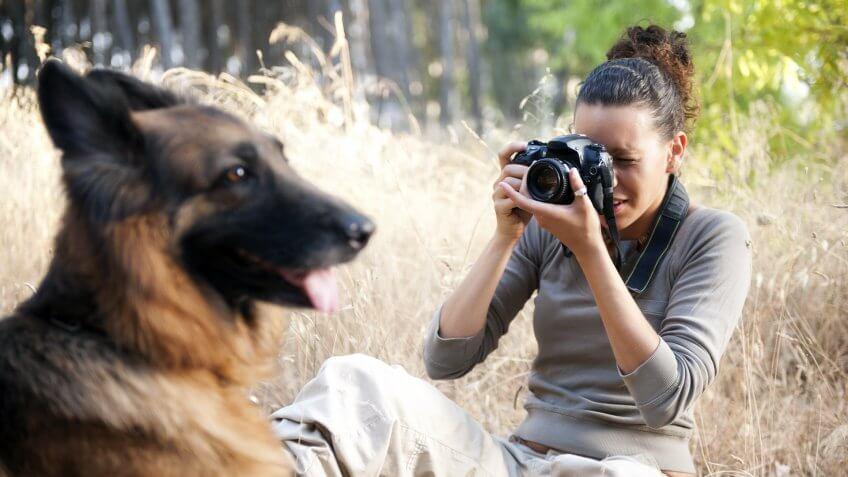 female pet animal photographer