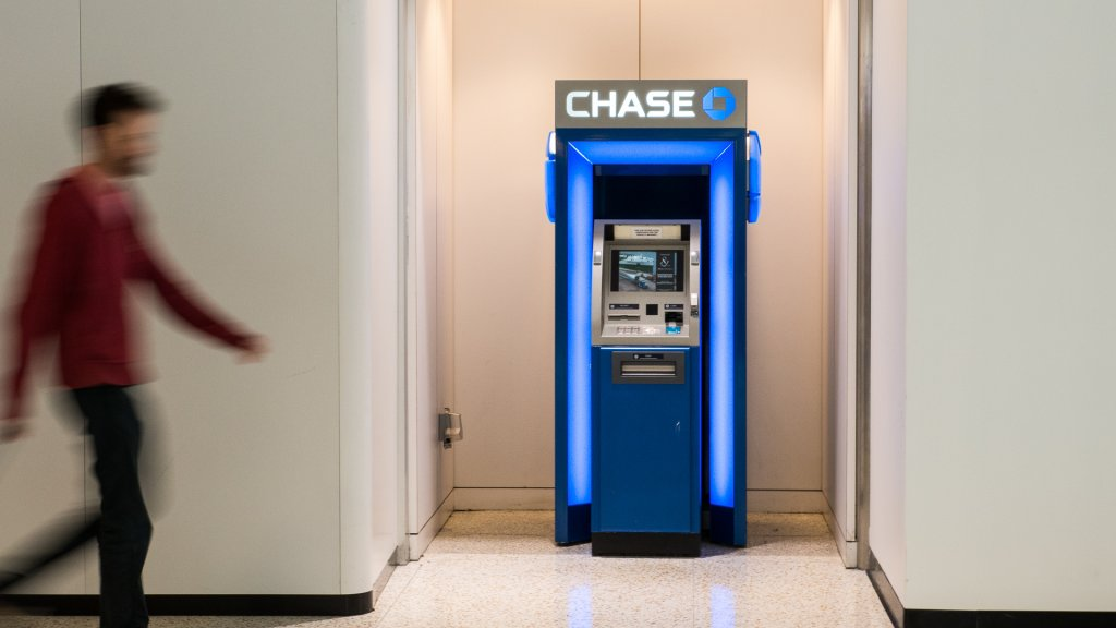 Atm Withdrawal Limits At Chase Wells Fargo And 39 Other