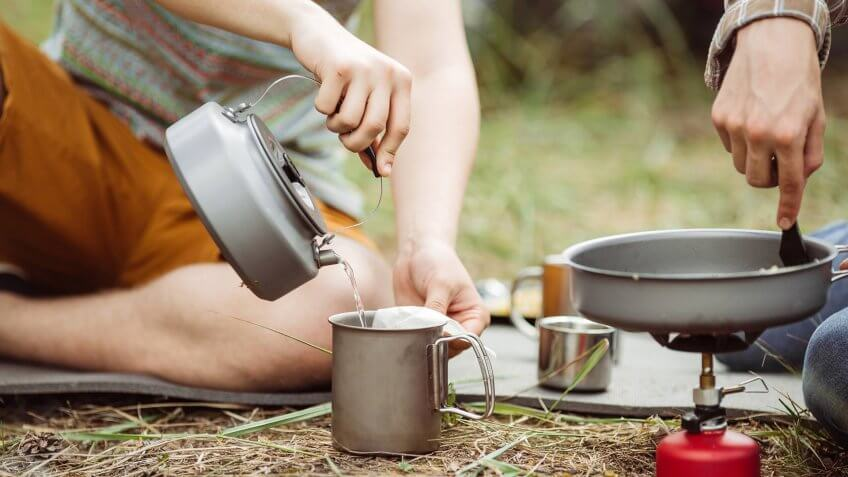 cups and pans for camping