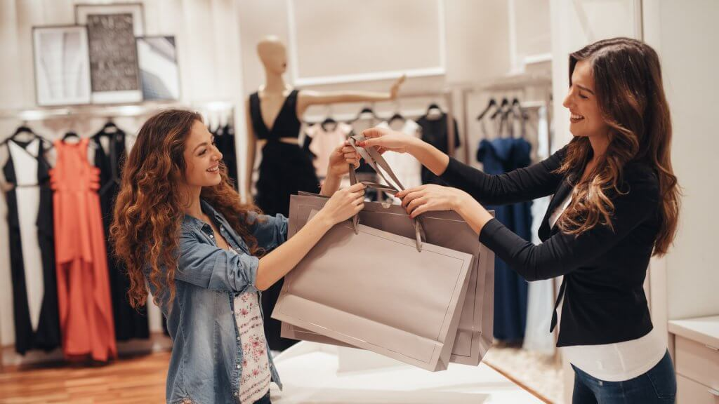 50 Stores With the Worst and Best Return Policies | GOBankingRates