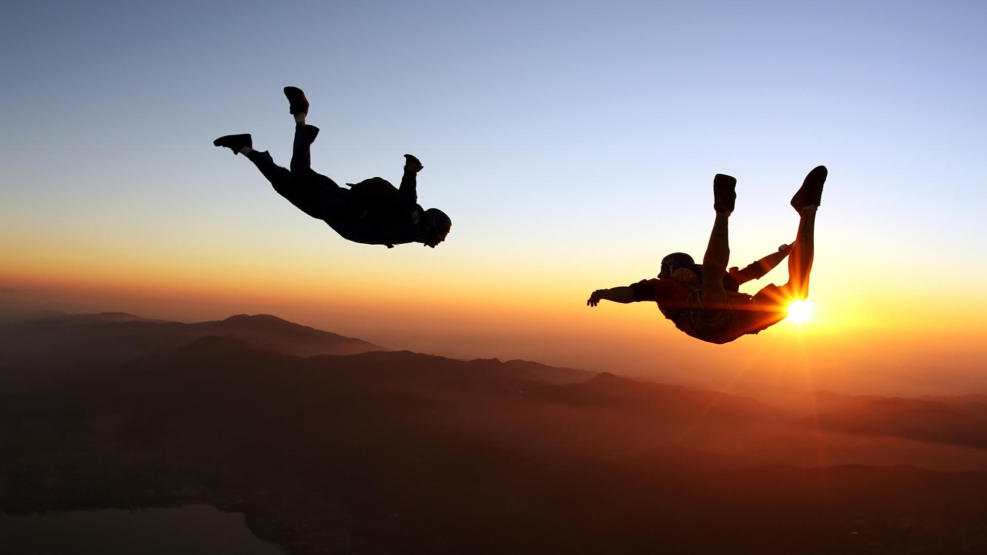 Skydiving sunset - Image.