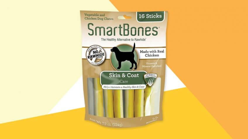 SmartBones Skin & Coat Care Chicken Chews Dog Treats.