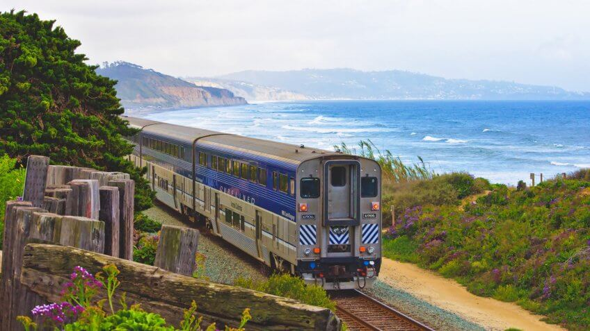 Amtrak Pacific Liner traveling through San Diego hari-panicker-1351366-unsplash