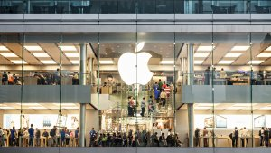 Are Apple, Facebook and Other Tech Stocks Now a Bargain?