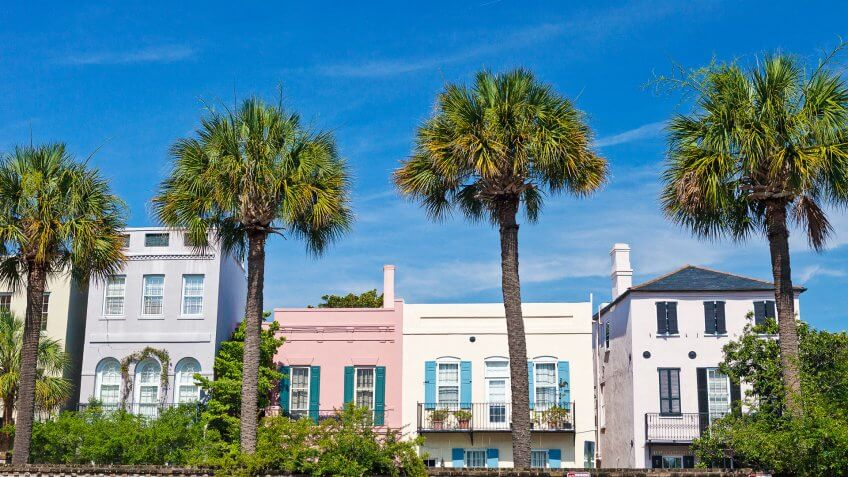 Charleston South Carolina homes with palm trees