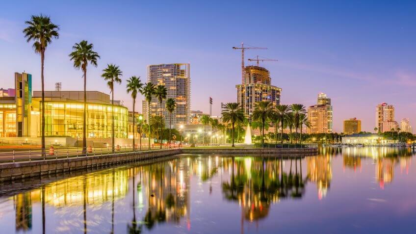 Saint Petersburg, Florida, USA skyline on the water at sunset