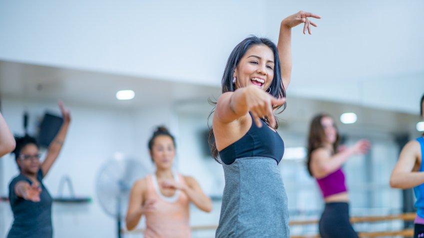 dance instructor teaching a class