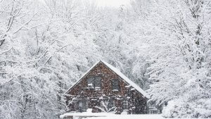 What You Need to Know About Winter Home Insurance When Extreme Weather Hits