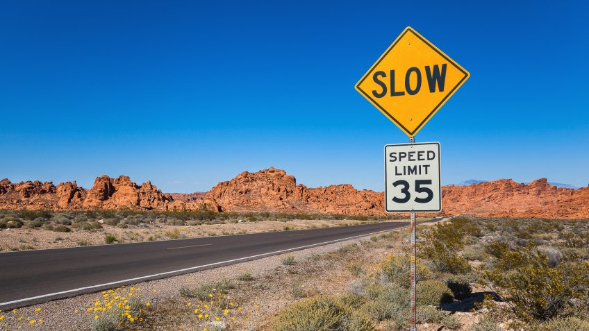 Traffic Sing Slow, Valley of Fire State Park, Nevada, USA.