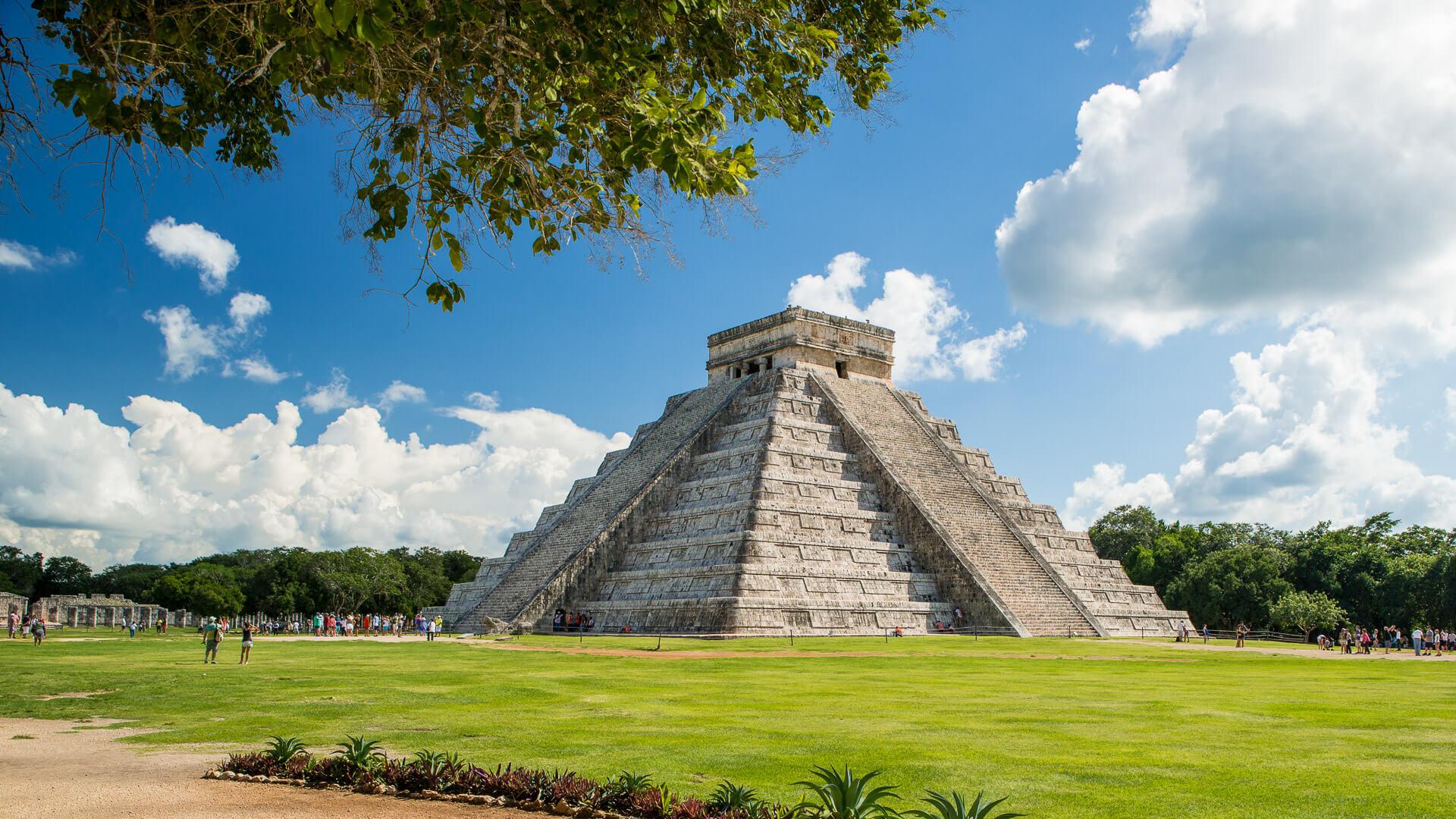 Chichen Itza Mayan ruins in the Yucatan Peninsula of Mexico