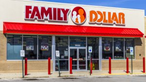 Dollar Tree to Close Nearly 400 Stores — Is Now the Time to Invest in Dollar Tree Stock?