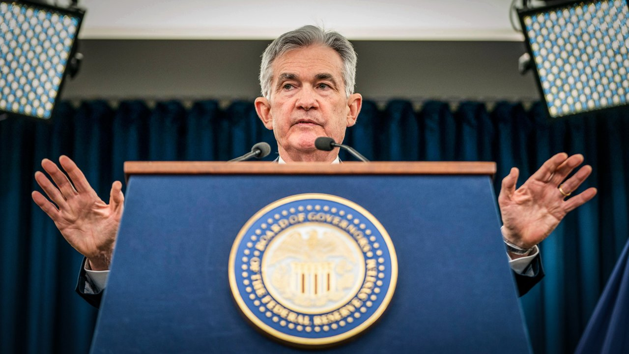Fed Keeps Interest Rates Unchanged — What This Means For You