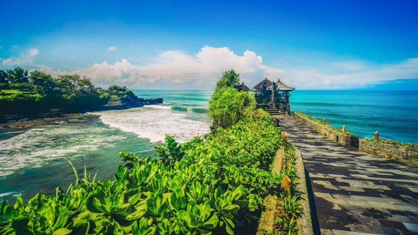 Tanah Lot Temple, Bali Island, Indonesia.