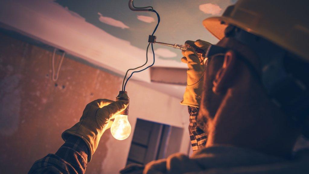 Working Contractor Electrician.