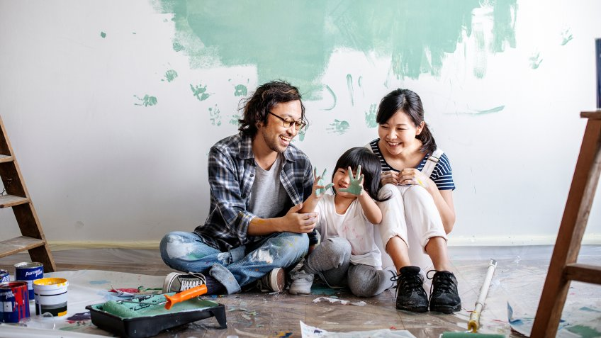 family renovating the house - Image.