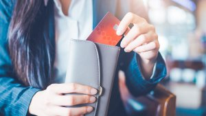 You Can Pay Your Taxes With a Credit Card — Here's Why You Shouldn't